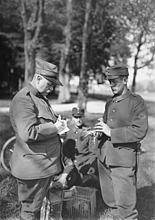 War pigeon Homing pigeons in military service