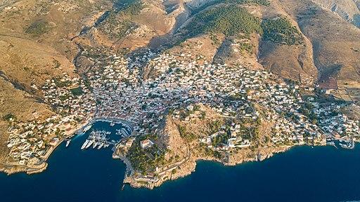 Aerial of Hydra island, Greece (43958918185)
