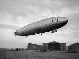 R33-class airship - R33 near its hangar