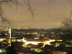 Albavilla - Image: Albavilla night