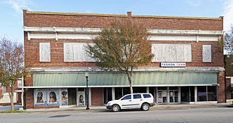 Clarendon County, South Carolina - Alderman's 20 Stores in One in Manning