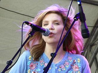 Alison Krauss - Krauss performing live