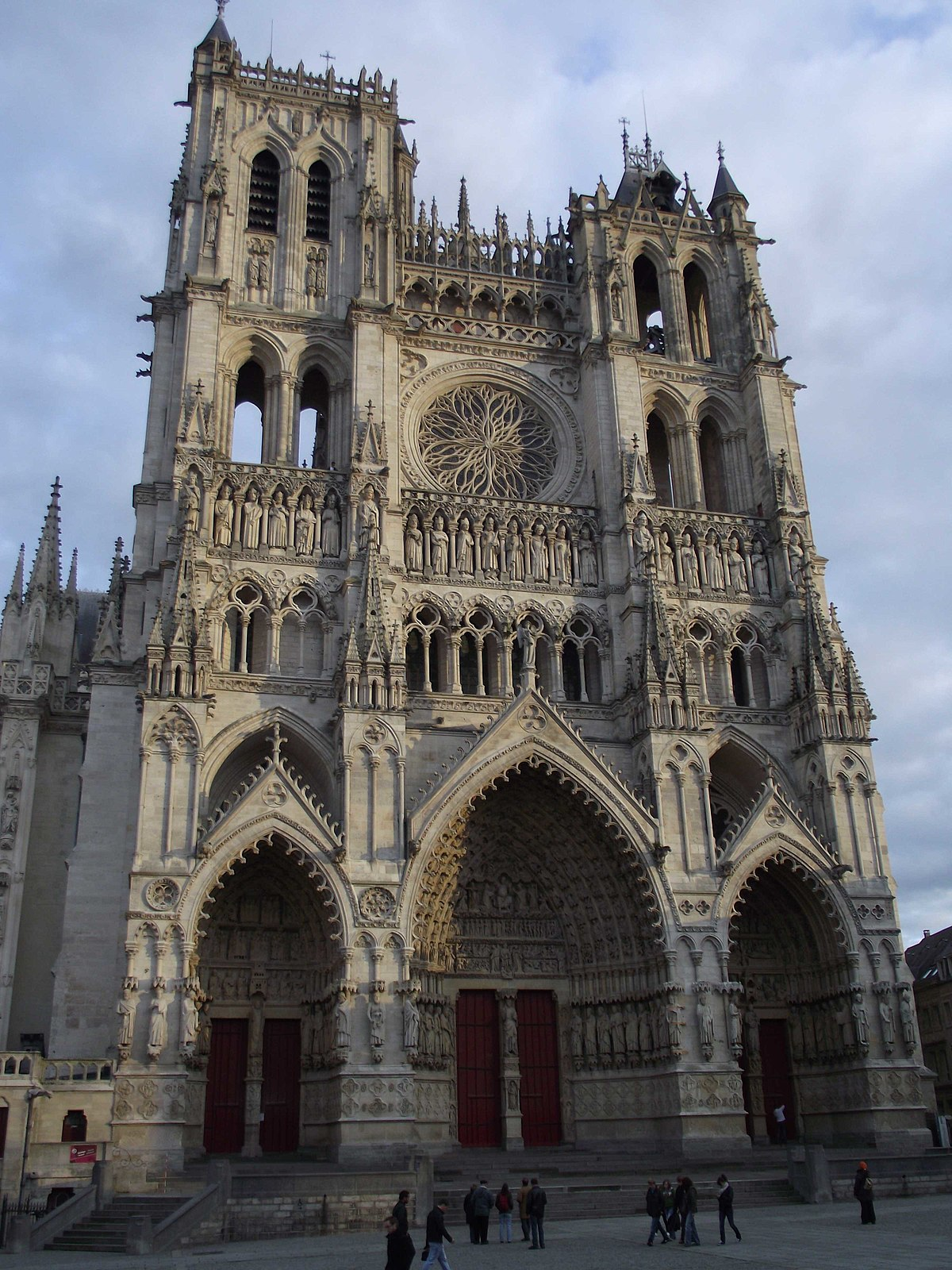 cattedrale di amiens wikipedia. Black Bedroom Furniture Sets. Home Design Ideas