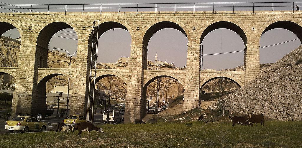 الجسور العشرة في عمان ام نوارة 1024px-Amman_Seven_arches