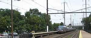 Amtrak's 25 Hz traction power system - An Amtrak HHP-8 under 25 Hz wire