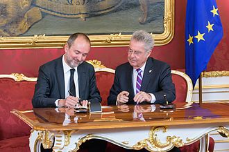 Minister (Austria) - Thomas Drozda being appointed minister by President Heinz Fischer, a former minister himself