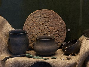 Lusatian culture - Examples of Lusatian earthenware
