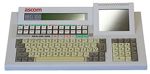 Computer keyboard - Multifunction keyboard with LCD function keys.