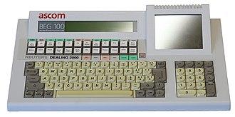 Computer keyboard - Multifunction keyboard with LCD function keys.