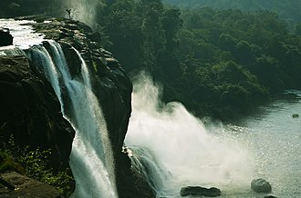 Athirappilly - Image: Athirappilly Waterfalls 1