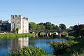 Athy Cromaboo Bridge and White Castle 2013 09 03.jpg