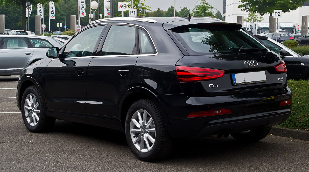 file audi q3 2 0 tfsi quattro heckansicht 7 september 2013 m wikimedia commons. Black Bedroom Furniture Sets. Home Design Ideas