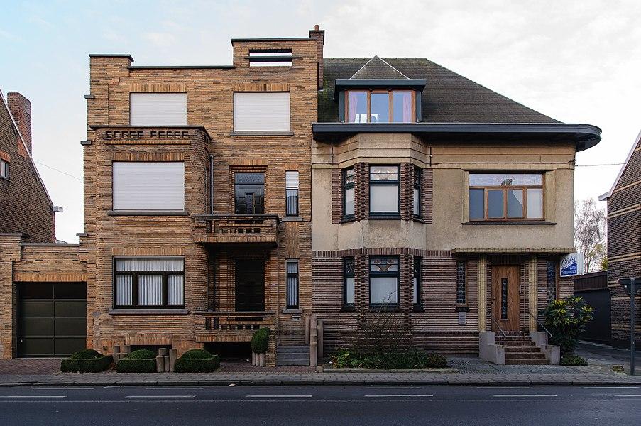 Avelgem, Doorniksesteenweg 129 (links) en 127 (rechts). Art Deco woningen
