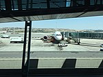 Avion à l'aéroport de Madrid - 2015.JPG