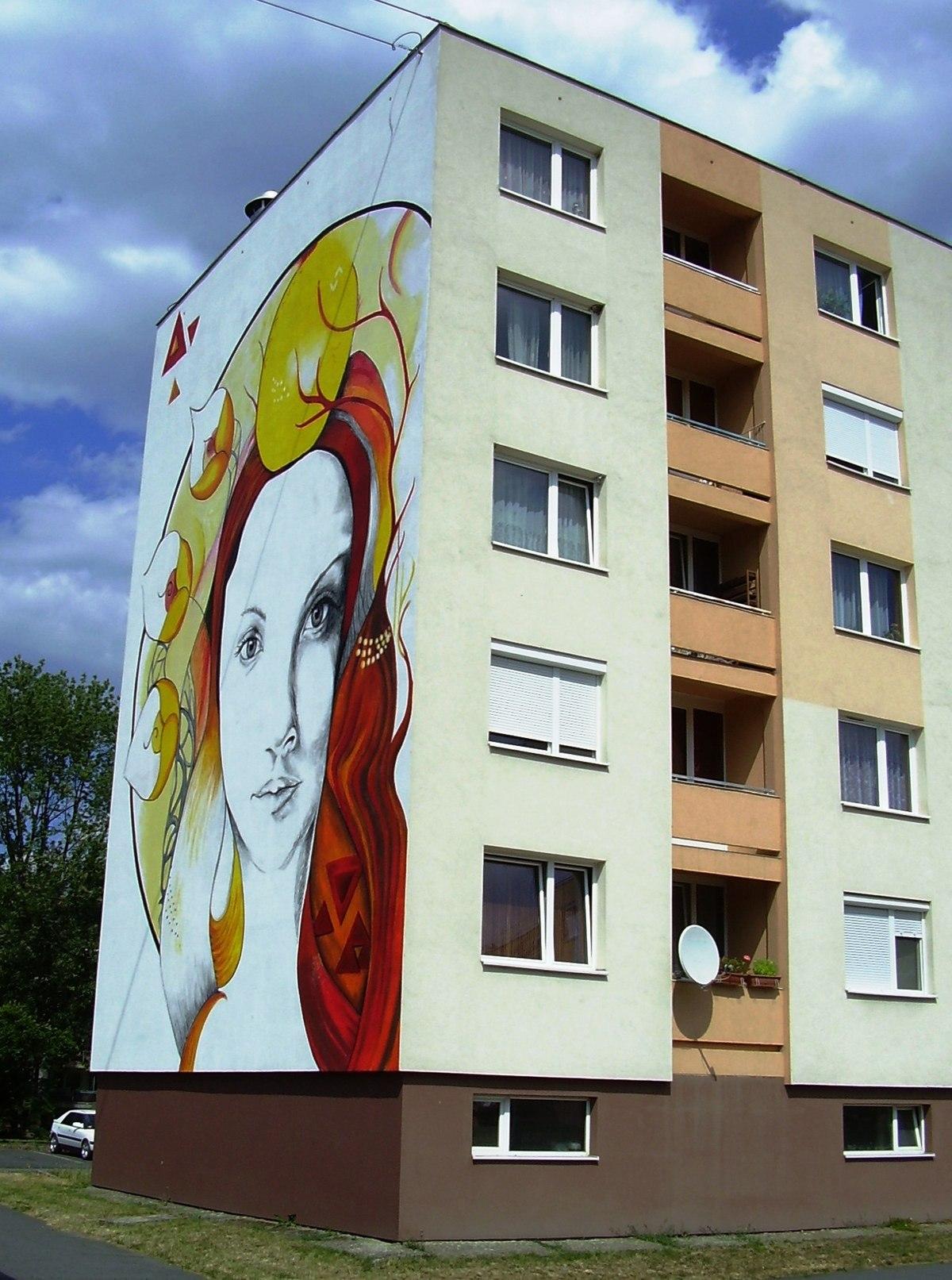 Babits Mihály út 3-9. (Kazincbarcika).JPG