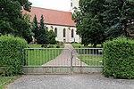 Bad Schmiedeberg - Dorfstraße - Friedhof + Kirche 01 ies.jpg