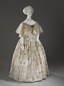 Ball Dress LACMA M.2007.211.872a-b (1 of 7).jpg