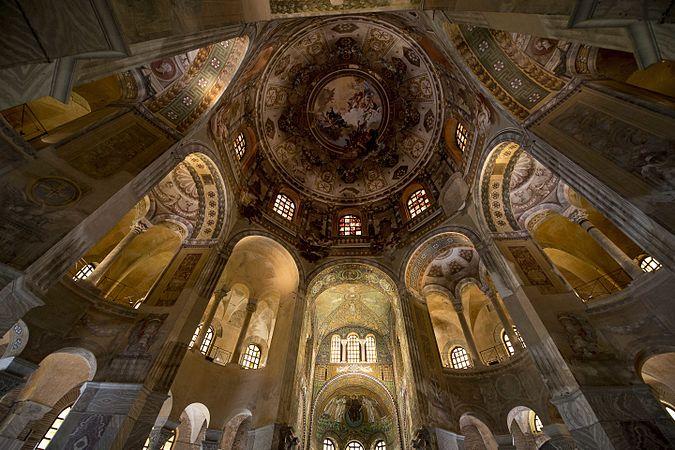 Basilica di SanVitale interno.jpg