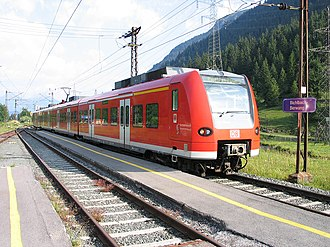 Ausserfern Railway - A Class 425 multiple unit in Bichlbach-Berwang station.