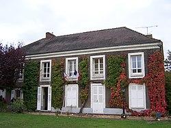 Bazoches-sur-Guyonne Mairie.JPG