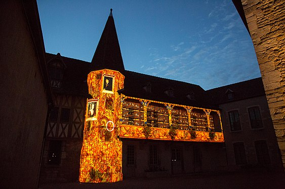 Beaune Building with Projections 3.jpg