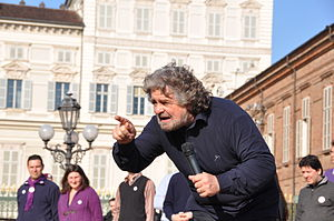 English: Beppe Grillo in Piazza Castello in Tu...