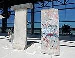 Berlin Wall (1) (44204608980).jpg