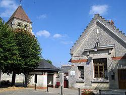 Berzy-le-Sec Mairie et église 1.jpg