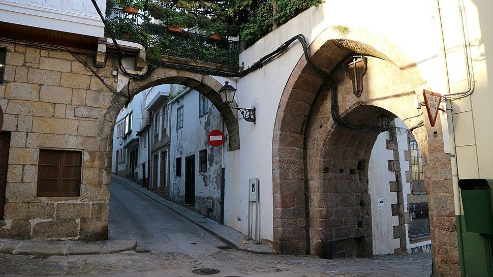 Betanzos Porta da Ponte Nova 1