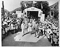 Bezoek van prinses Juliana aan West-Indië (februari-maart 1944). Aankomst in Sin, Bestanddeelnr 935-1539.jpg