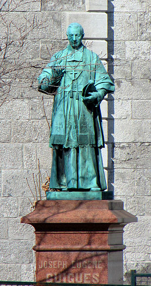 Notre-Dame Cathedral Basilica (Ottawa) - Image: Bishop Joseph Eugene Guigues, statue
