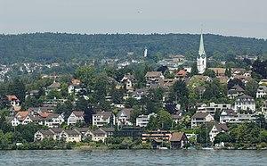 Zollikon - Image: Blick vom Zürichsee auf Zollikon (2009)
