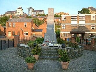 Bogside - Image: Bloodsunmonum