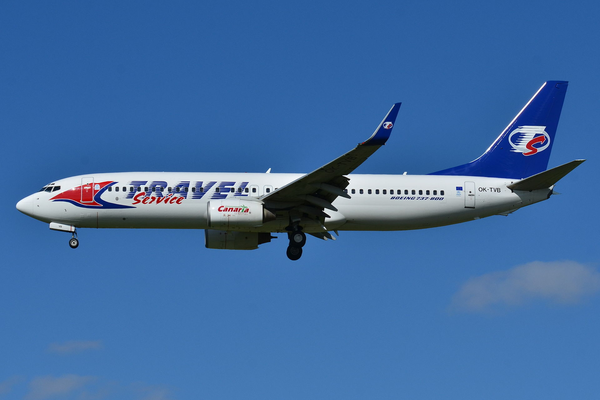 1920px-Boeing_737-800_Travel_Service_(TV