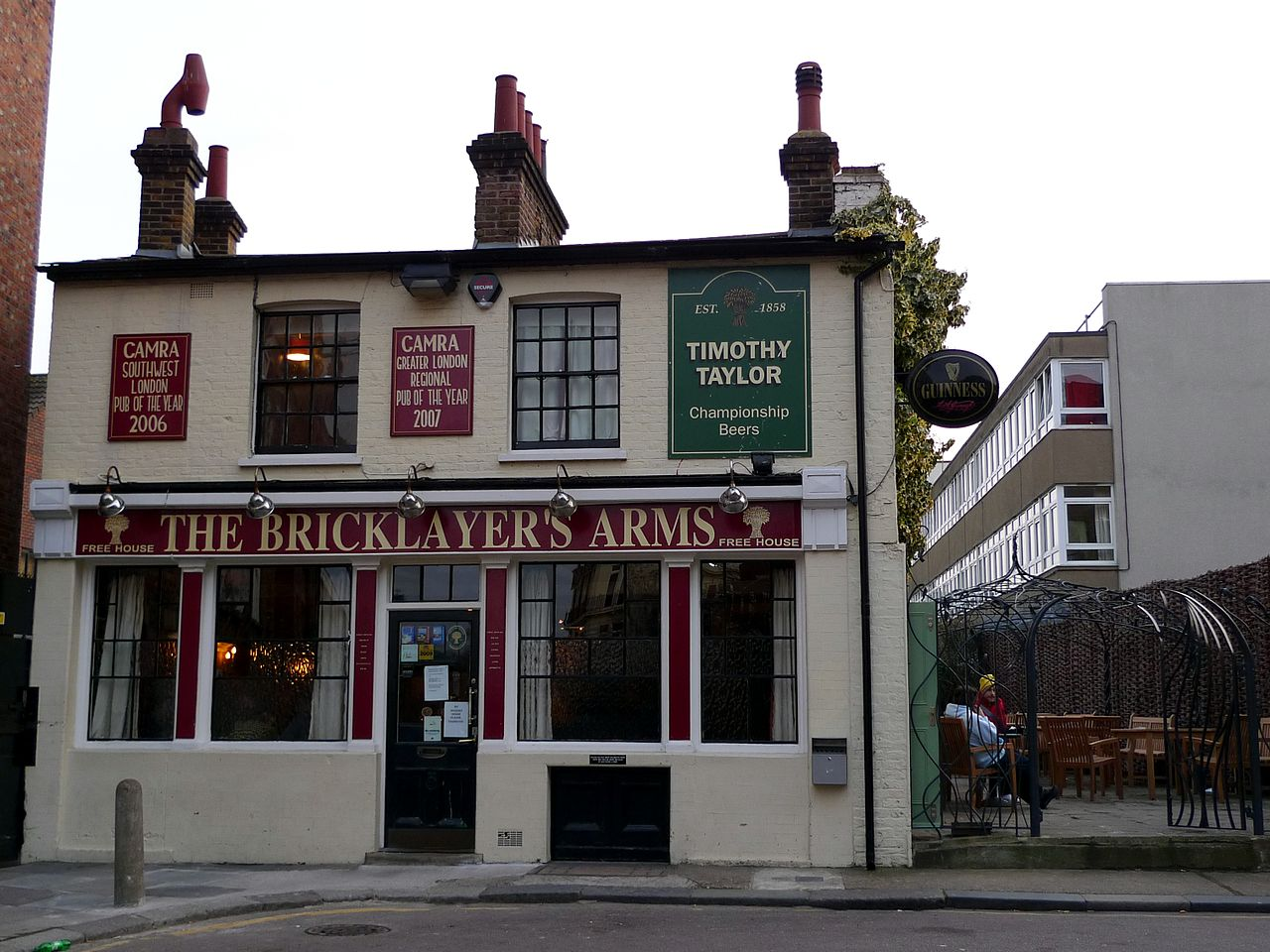 London Pubs - Bricklayers Arms