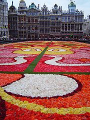 """The Floral Carpet in the """"Grand Place"""" in 2004"""