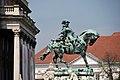 Budapest - Palazzo reale - Statua equestre del principe Amedeo di Savoia - panoramio.jpg