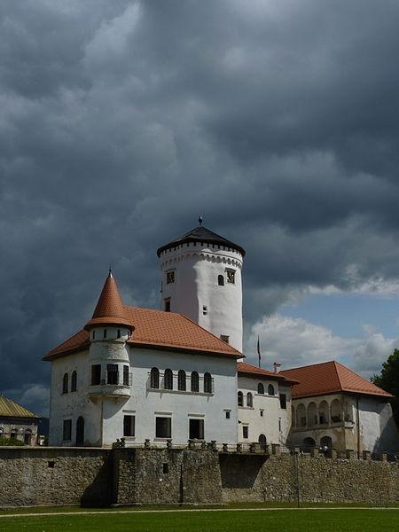 File:Budatín - hrad.JPG