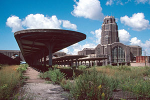 Buffalo Central Terminal - Abandoned platforms in 1989