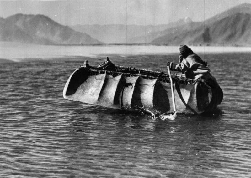 Bundesarchiv Bild 135-BB-082-12, Tibetexpedition, Flo%C3%9F bei Chagsam