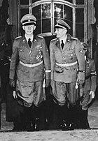 Bundesarchiv Bild 146-1972-039-26, Reinhard Heydrich im Prager Schloß crop