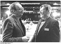 Bundesarchiv Bild 183-1987-0714-305, Berlin, Hermann Kant, Bernt Engelmann.jpg
