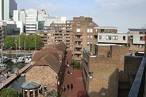 South Quay Estate - Image: Burr Close 005