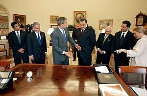 Dominican Republic–Central America Free Trade Agreement - Presidents Francisco Flores Pérez, Ricardo Maduro, George W. Bush, Abel Pacheco, Enrique Bolaños and Alfonso Portillo