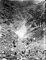 COLLECTIE TROPENMUSEUM Kawah (solfatare) op de zuidoost helling van de vulkaan Karang bij Bantam West-Java TMnr 10004520.jpg