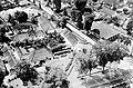 COLLECTIE TROPENMUSEUM Luchtfoto met onder meer de rooms-katholieke kerk TMnr 10016567.jpg