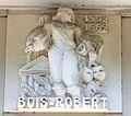 Caen hôtel Malherbe bas-relief Bois-Robert.JPG