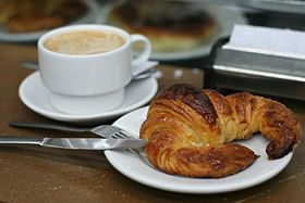 croissantの意味 使い方 読み方 weblio英和辞書