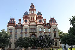 Caldwell County Courthouse in Lockhart, TX IMG 9177.jpg