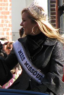 Candice Crawford parade.jpg